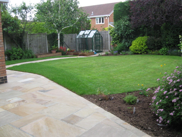 Curves and Crops | Jardin Design on Square Patio Designs id=99338